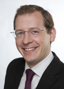Philipp Bousa on töötanud konsultandi ja vanemkonsultandina erinevates ettevõtetes, projektijuhina ettevõttes IBM Global Business Services ning on hetkel IT-strateegia juht ettevõttes Accenture Germany Focus Areas ja õpetab Estonian Business Schoolis projektijuhtimist.