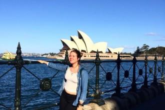 Hanna-Lysa Kenk Austraalias Sidney ooperimaja ees